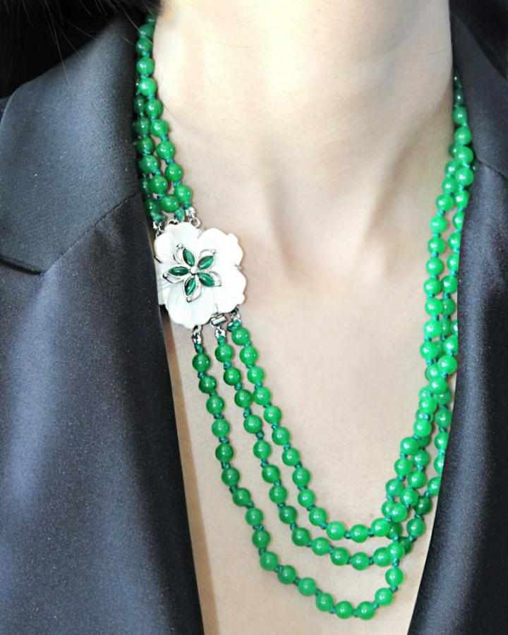 Flower Trio Jade necklace