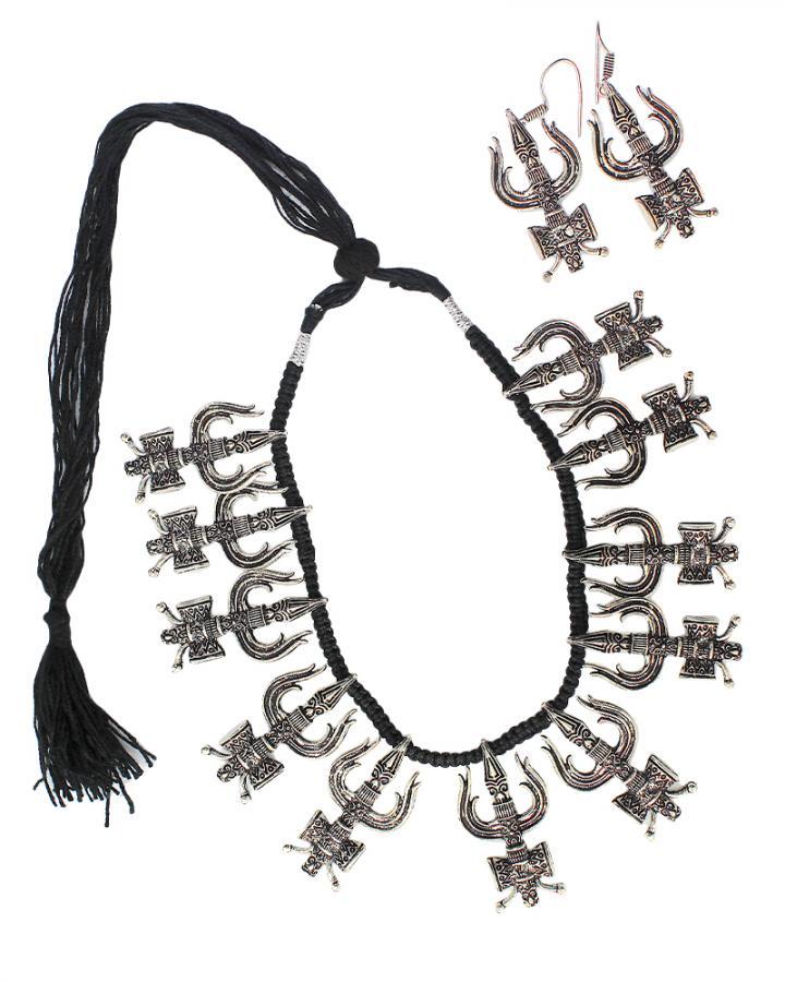 Trisula Fury Necklace Set