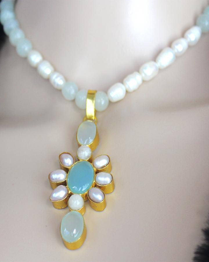 Emilia Daisy Necklace Set